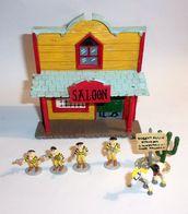 Saloon + 6 Figurines Lucky Comics En Plomb - 2007 - Non Classés