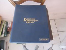 Documents De La Poste Année  2002    Complète Avec Tous Les Blocs 54 Scans - Timbres