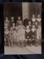 Photo Format Cabinet  Photo De Classe D'une école De Garçons  Prise En Extérieur  CA 1900 - L513 - Anciennes (Av. 1900)