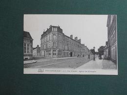 CPA FONTAINEBLEAU AGENCE DES ETRANGERS 205 RUE GRANDE SIGNEE PROPRIETAIRE VIOLETTE 1908 SUPERBE - Fontainebleau