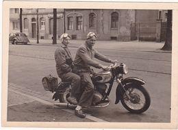 Photographie : Cyclisme : MOTO : Couple Sur Une Moto En Pose ( à Identifier ) - Cyclisme