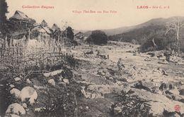 Village Thai Dam Aux Hua Pahn - Laos