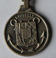 Porte Clés Militaire Moselle Bâtiment Base - MARINE Marque Augis Lyon - Militaria