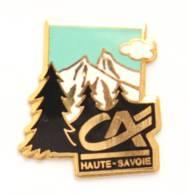 Pin's CREDIT AGRICOLE HAUTE SAVOIE - Le Logo - Montagne Et Sapins - J444 - Banques