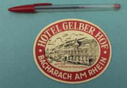 011 Etiquette D'Hotel, Germany Bacharach Am Rhein - Hotel Gelber Hof, Dorée Relief Embossed Gaufré - Etiquettes D'hotels