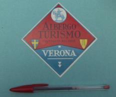 030 Etiquette D'Hotel, Italy Verona - Aubergo Turismo - Co/Truito Nel 1828 - Etiquettes D'hotels