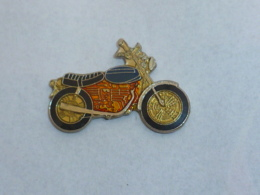 Pin's MOTO 001 - Motos