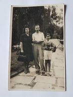FAMILIA EN EL PARQUE, FAMILLE DANS LE PARC,FAMILY IN THE PARK - Anonymous Persons