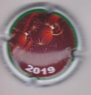 Capsule Champagne DE MILLY Albert ( 55a ; Joyeux Noel 2019 , Contour Blanc ) {S28-20} - Champagne