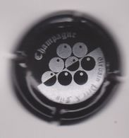 Capsule Champagne URBAIN Père Et Fils ( 33 ; Noir Et Argent ) {S28-20} - Champagne