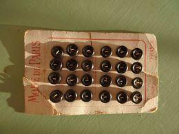 Carton Planche 24 Boutons, Button, Knop, Taste, Mode De Paris - Buttons
