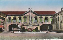 88 - THAON LES VOSGES - Place De La Victoire - Thaon Les Vosges