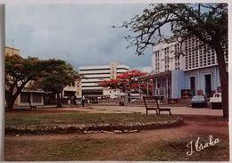 1980 CONGO Pointe-Noire POSTE Et Immeuble A.T.C. CPM 10x15 édition Chasseur D'images, écrite - Pointe-Noire