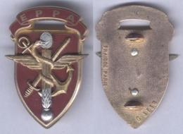 Insigne De L'Ecole Du Personnel Paramédical Des Armées De Toulon - Medicina