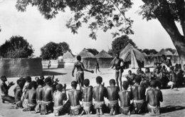 SENEGAL - A.O.F. - DANSE AU VILLAGE - PHOTOGRAPHE; ROBEL - CP ETHNIQUE - Senegal