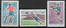NIGER   -   1966.  Y&T N°178 à 180 **  .    8 éme  Coupe Du Monde De FOOTBALL. - Niger (1960-...)