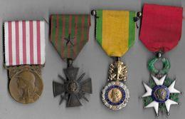 Lot De 4 Médailles Guerre  1914 - 1918 - France