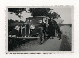 PHOTO ANCIENNE FIAT ARDITA Couple Photographie Automobile Voiture Auto Véhicule 1935 Modèle Ancien Chien Portrait - Automobili
