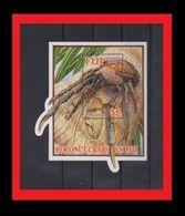 090. FIJI 2004 UNUSUAL DIE CUT STAMP M/S COCONUT CARB. MNH - Fiji (1970-...)