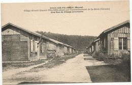 VAUX - LES - PALAMEIX / LA REOLE : UNE RUE DU VILLAGE PROVISOIRE - Francia