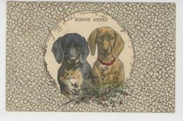 """CHIENS - DOGS - Jolie Carte Fantaisie Viennoise Chiens Et Houx De """"Bonne Année """" - B.K.W.I. 2083/6 - Hunde"""