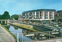 Redon Le Canal De Nantes à Brest Hôtel Voitures 2 CV Citroën - Redon