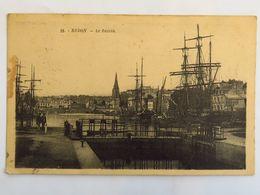 C. P. A. : 35 REDON : Le Bassin, Animé, Timbre En 1932 - Redon