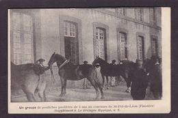 CPA Hippisme Cheval Horse Bretagne Non Circulé Finistère Saint Pol De Léon - Hípica