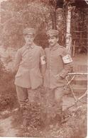 Carte Photo Allemande 14 18 - Deux Infirmiers Avec Brassards Croix Rouge - 1914-18