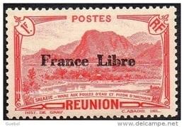 Réunion - N° 204 * Vue -> Salazie, Mare Aux Poules D'eau Et Piton D'Auchain - 1f Rouge - Surchargée France Libre - Réunion (1852-1975)