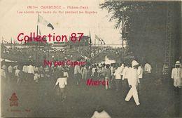 ☺♦♦ PHNOM PENH < LES BAINS Du ROI Pendant Les REGATES -- CAMBODGE < N° 1613 Bis DIEULEFILS - Cambodia