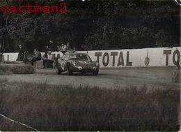 PHOTOGRAPHIE ANCIENNE COURSE AUTOMOBILE 24H DU MANS RALLYE FORMULA 1 TOTAL SPORT FERRARI JAGUAR RENAULT TALBO PORSCHE - Automobili