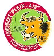 """ETIQUETTE De FROMAGE..CAMEMBERT """"Plein Air""""..Fromagerie TRIBALLAT à NOYAL Sur VILAINE ( Ille Et Vilaine 35)..40 % - Fromage"""