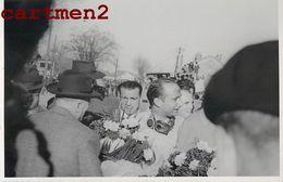PHOTOGRAPHIE ANCIENNE PILOTE DE COURSE A IDENTIFIER SPORT FORMULE 1 SPORT AUTO 24H DU MANS RALLYE FIAT FERRARI MERCEDES - Automobili