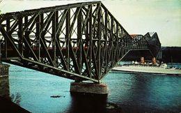 Cpa Bateau PAQUEBOT VAPEUR (Steamer Ferry Cruiser)  Quebec Bridge 1954 (Etat Moyen) - Ponts