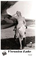 VERONICA LAKE (PB22) - Film Star Pin Up PHOTO POSTCARD - Pandora Box Edition Year 2007 - Femmes Célèbres