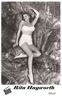 RITA HAYWORTH (PB10) - Film Star Pin Up PHOTO POSTCARD - Pandora Box Edition Year 2007 - Femmes Célèbres