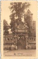 GOSSELIES - Ecole Moyenne De L'Etat Et Tour De L'ancien Château-Fort - Charleroi