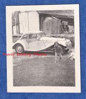 Photo Ancienne Snapshot - Superbe Automobile à Identifier - Cabriolet - Citroen ? - Enfant - 1960 - Auto's