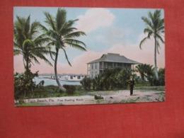 Free Reading Room  West Palm Beach  Florida     Ref 4202 - West Palm Beach