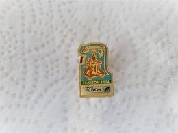 PINS FRANCE TELECOM  Téléphone ERICSSON 1894 / 33NAT - France Telecom