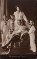 ! Alte Ansichtskarte, Adel, Royalty, Kronprinzenpaares, Potsdam, Matrosenanzug, Verlag Liersch, Berlin, Nr. 7517 - Familles Royales