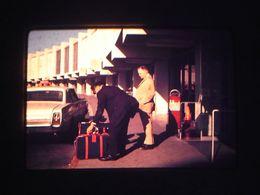 1 Slide - Mb11 - Street Scene Airport - Diapositivas