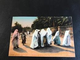 6042 - SCENES ET TYPES La Ptomenade Du Harem - Algeria