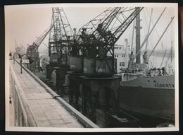 ANTWERPEN 1950 A 1951  GARE MARITIME  LOT VAN    21  FOTOS  24 X 17 CM CONGOVAARDERS , LADEN , DOUANE , INSCHEPEN  ENZ - Antwerpen