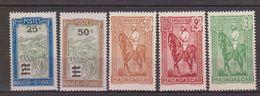Madagascar N° (yt) 188 à 192 Neufs **/*tc - Madagascar (1889-1960)