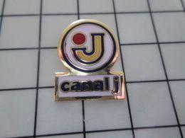 115e Pin's Pins / Beau Et Rare / THEME : MEDIAS / CHAINE DE TELE CANAL J - Mass Media