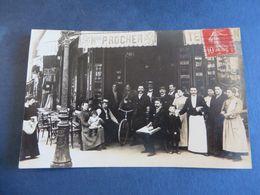 CARTE PHOTO D'UN CAFE A PARIS,,, Mon.P. ROCHER,certainement ça,,mais,je Ne Peux Pas Garantir à 100% - Bar, Alberghi, Ristoranti