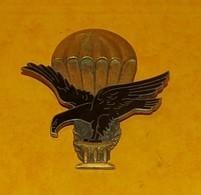 BREVET PARACHUTISTE : TOGO, Brevet De Parachutiste, (448) 2 Anneaux Horizontaux, FABRICANT ARTHUS BERTRAND  PARIS, ETAT - Hueste