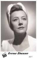 IRENE DUNNE (PB7) - Film Star Pin Up PHOTO POSTCARD - Pandora Box Edition Year 2007 - Femmes Célèbres